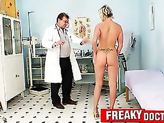 Hot blonde weird cunt stretching exam by older doctor