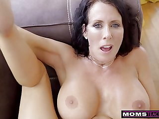 MomsTeachSex – Stepmom And Son Cum Together S9:E1