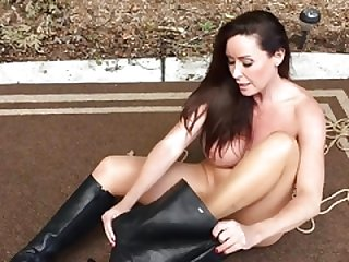 Boots 'n breasts