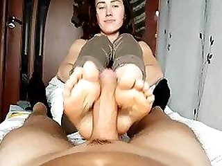 Kate gives oily footjob