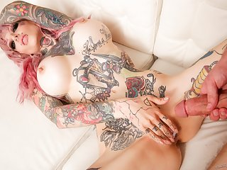 Crazy tattooed vamp Sydnee Vicious likes it hard and deep!