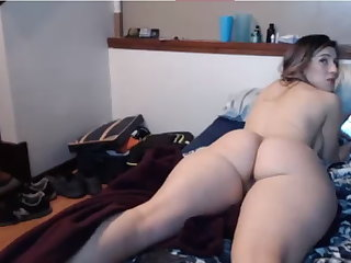 sizeable booty white babe 12 mmm