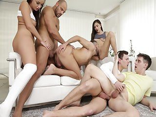 Hot bi orgy from guys and gals and goes on fucking
