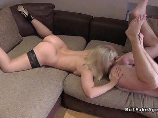 Blonde pro rides fake agents dick