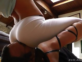 Facesitting Assworship 2