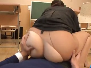 Dirty teacher, Yui Oba, goes sleazy on a tasty cock