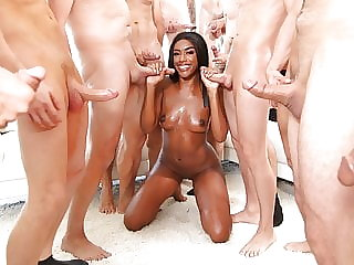 Ashley Aleigh Deepthroats Many White Cocks