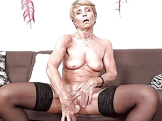 Old skinny grandma wanna fuck