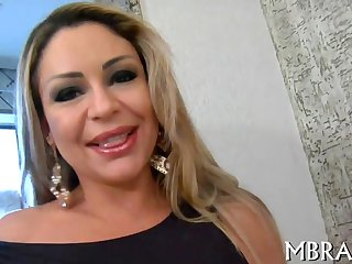 Big booty blonde MILF bouncing on a big boner
